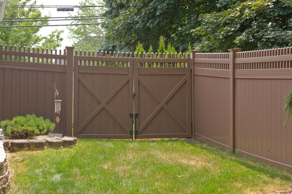V3700 6 T G Vinyl Privacy Fence With Straight Victorian Picket Top