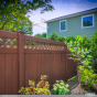 illusions-rosewood-pvc-vinyl-privacy-fence-with-lattice-2