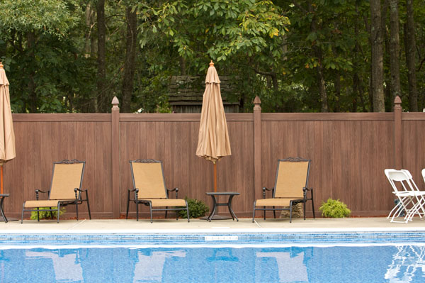 Pool Umbrella Archives Illusions Vinyl Fence