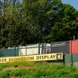 king-fence-outdoor-illusions-fence-display_0010