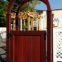 king-fence-outdoor-illusions-fence-display_0015