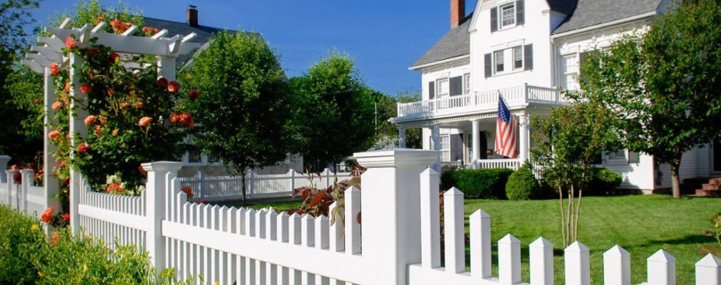 white vinyl pvc picket fence from illusions fence