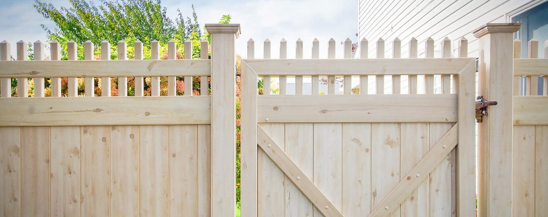 Pvc Vinyl Fence 35 Colors And 5 Woodgrains Illusions Vinyl Fence
