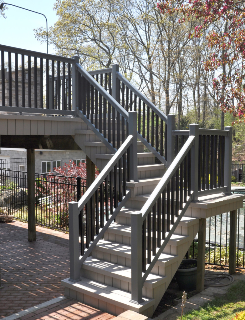 Illusions pvc vinyl gray and black deck railing_0002