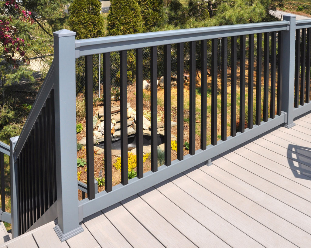 Illusions pvc vinyl gray and black deck railing_0005