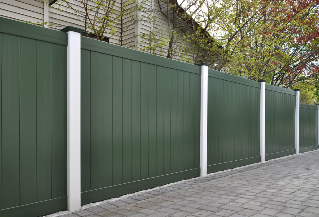 green and white illusions vinyl pvc privacy fencing panels