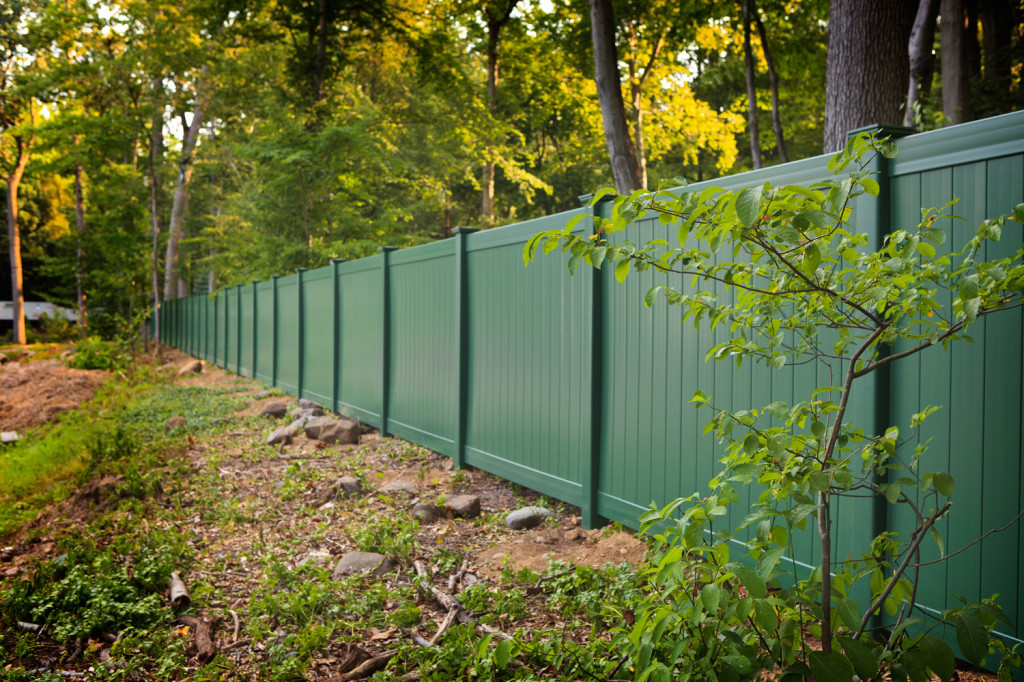illusions eastern green vinyl pvc privacy fence