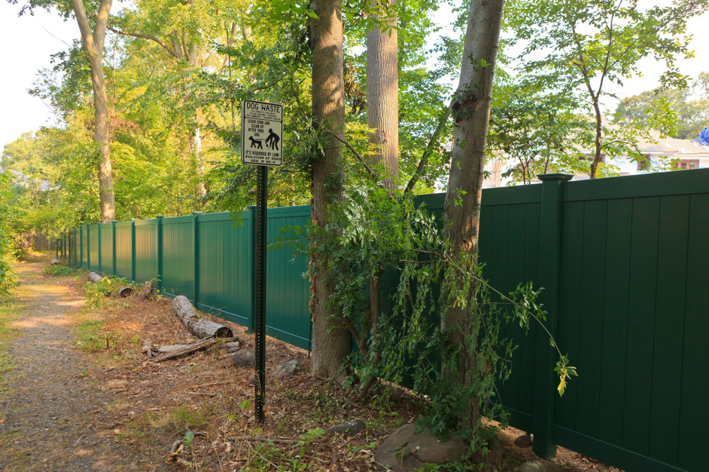 illusions eastern green vinyl pvc privacy fence 2