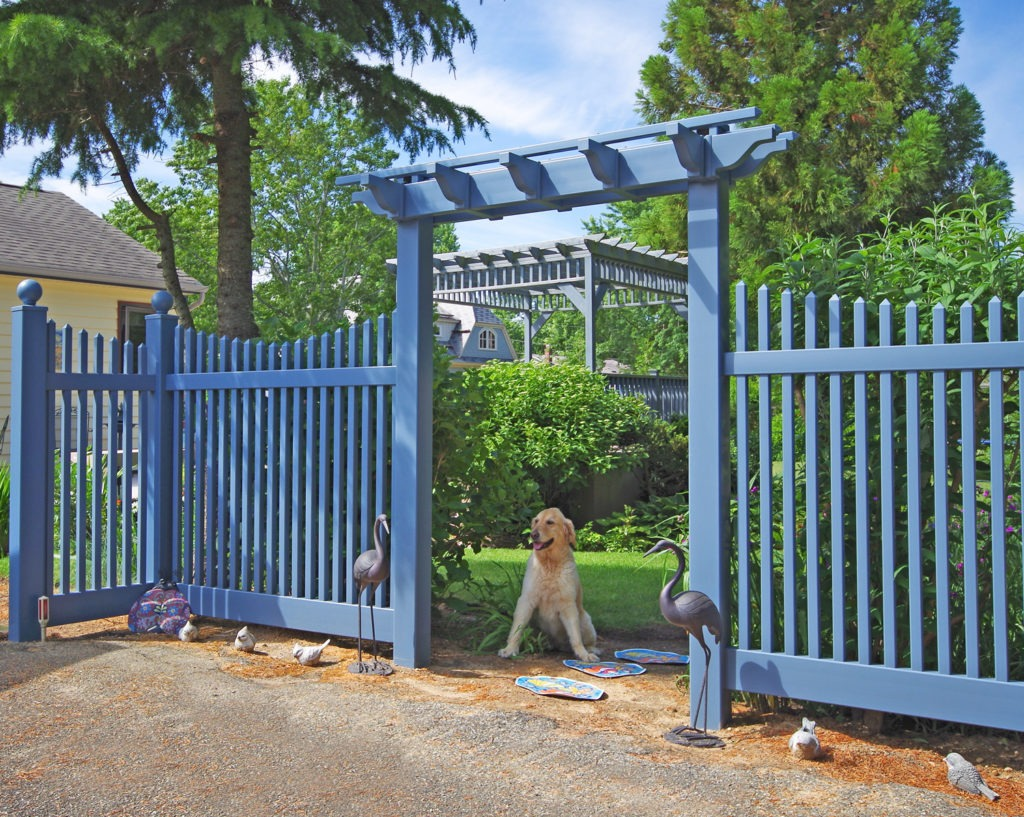 illusions federal blue vinyl fence