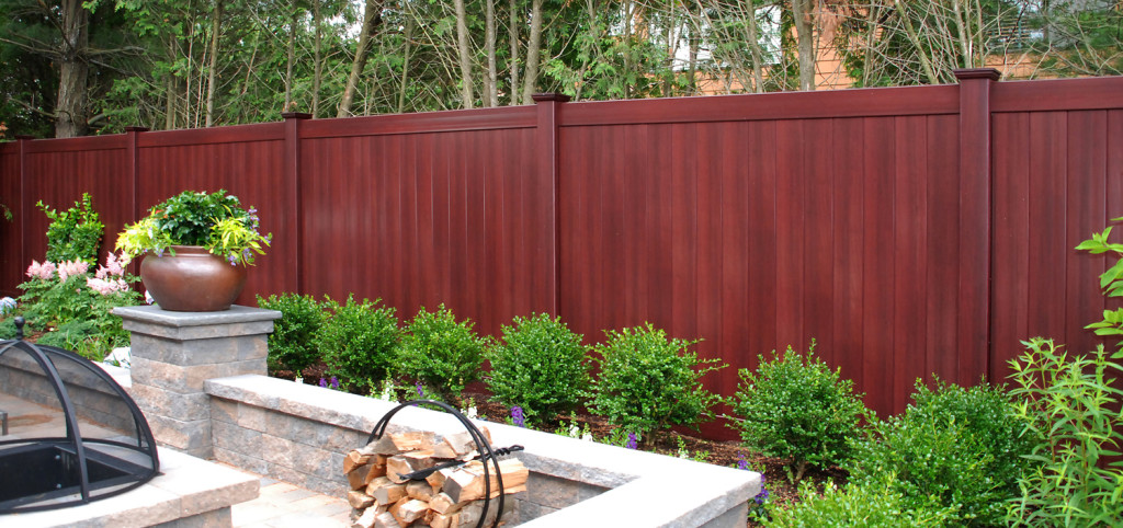 illusions mahogany vinyl pvc wood grain privacy fence_0004