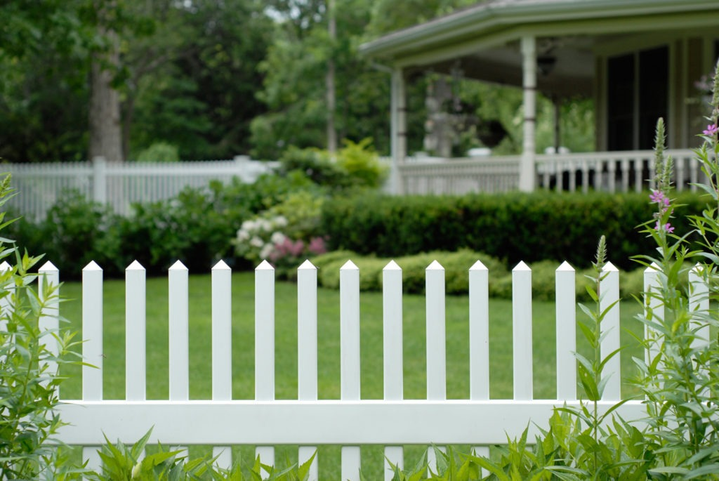 illusions pvc vinyl classic white picket fence