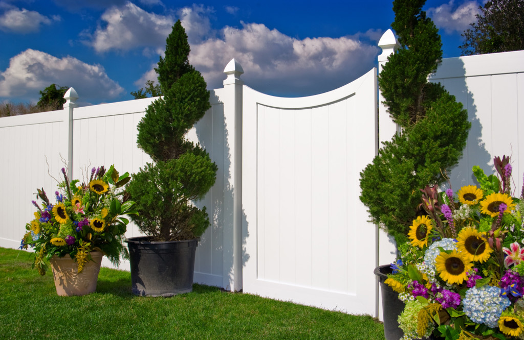 illusions pvc vinyl fence gate curved white