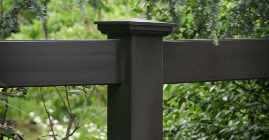 illusions-pvc-vinyl-post-and-rail-fence-post-panels