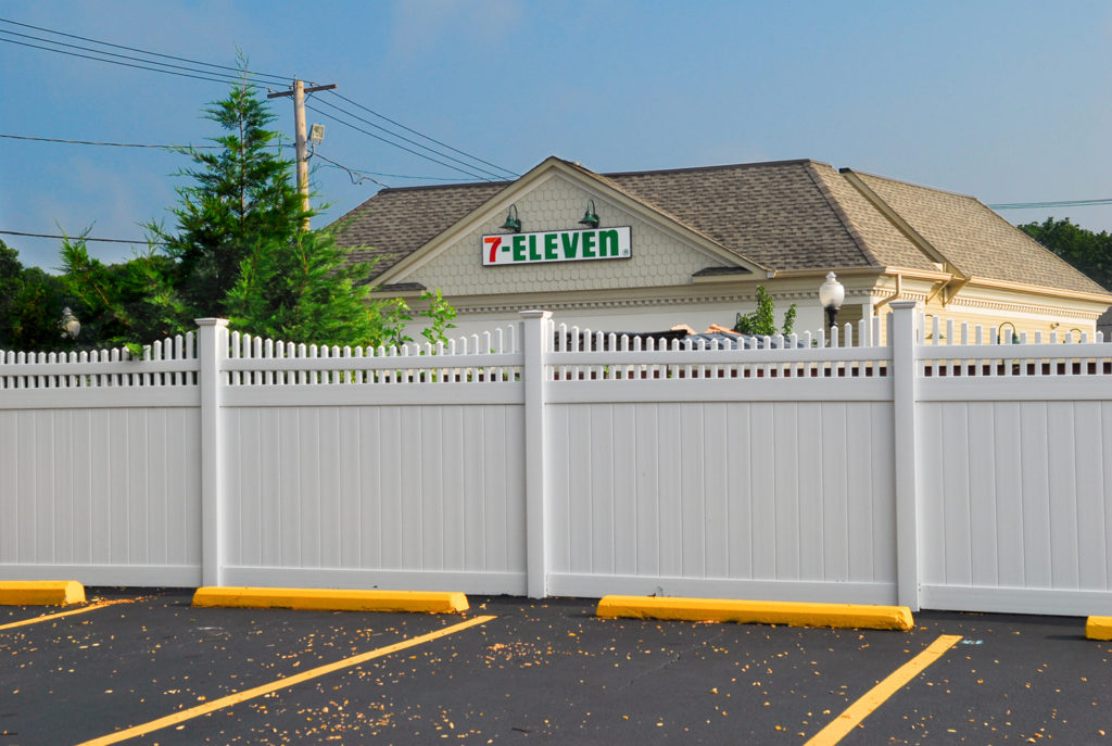 illusions pvc vinyl privacy fence sections at a 7-11