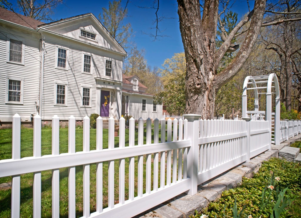 illusions pvc vinyl white picket fence 3