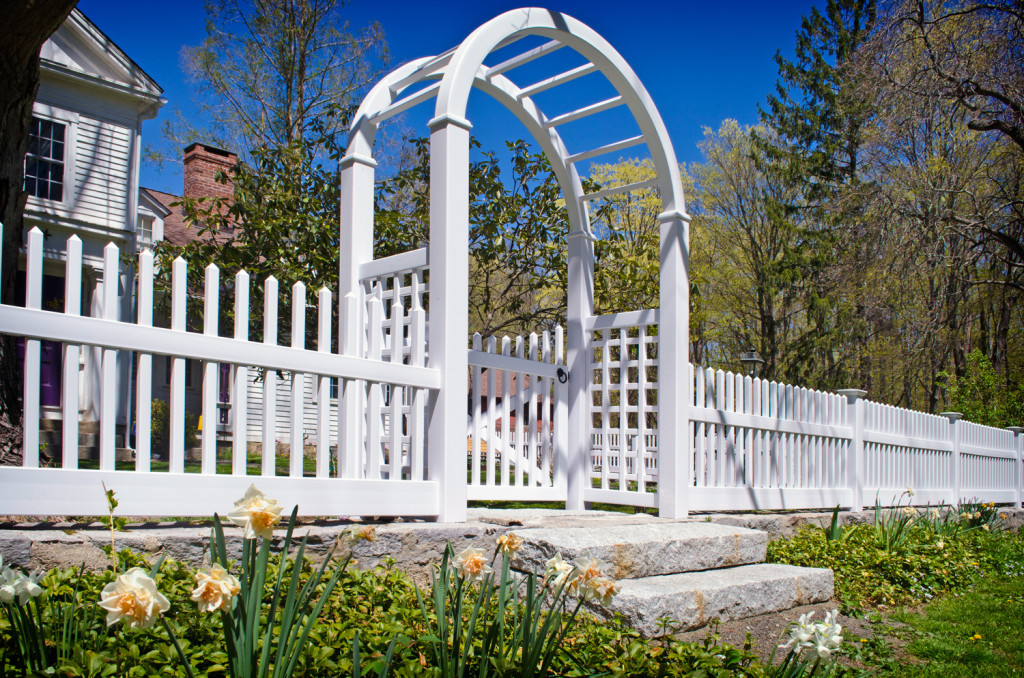 illusions pvc vinyl white picket fence 5