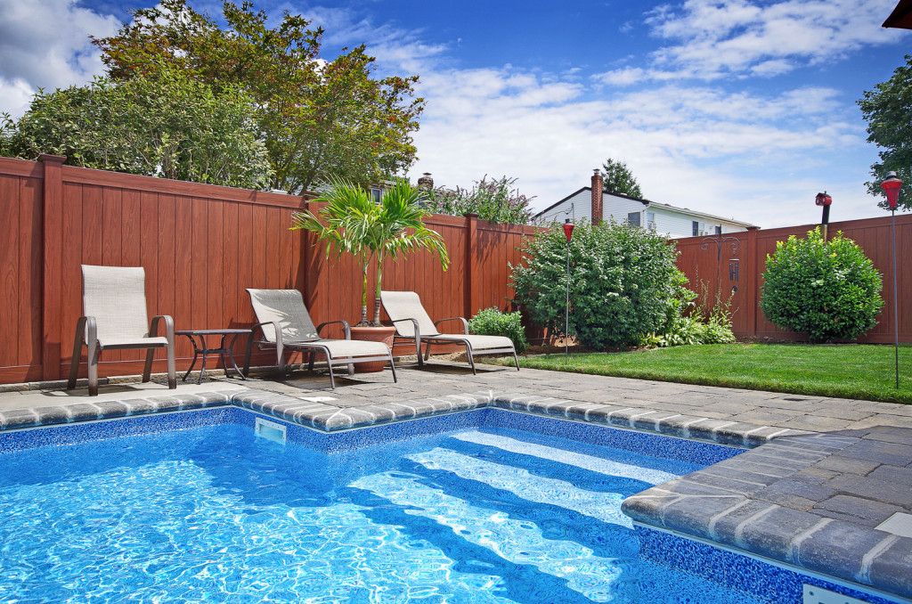illusions rosewood privacy fence