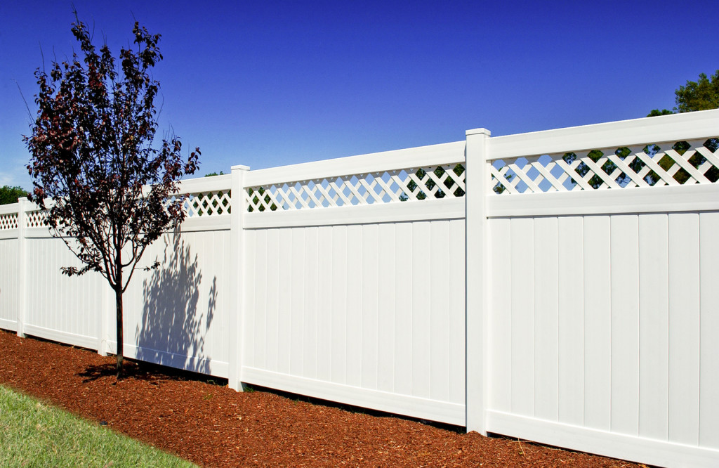 illusions vinyl pvc privacy fencing panels in white