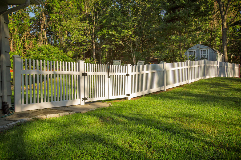 illusions vinyl pvc white picket fence green grass
