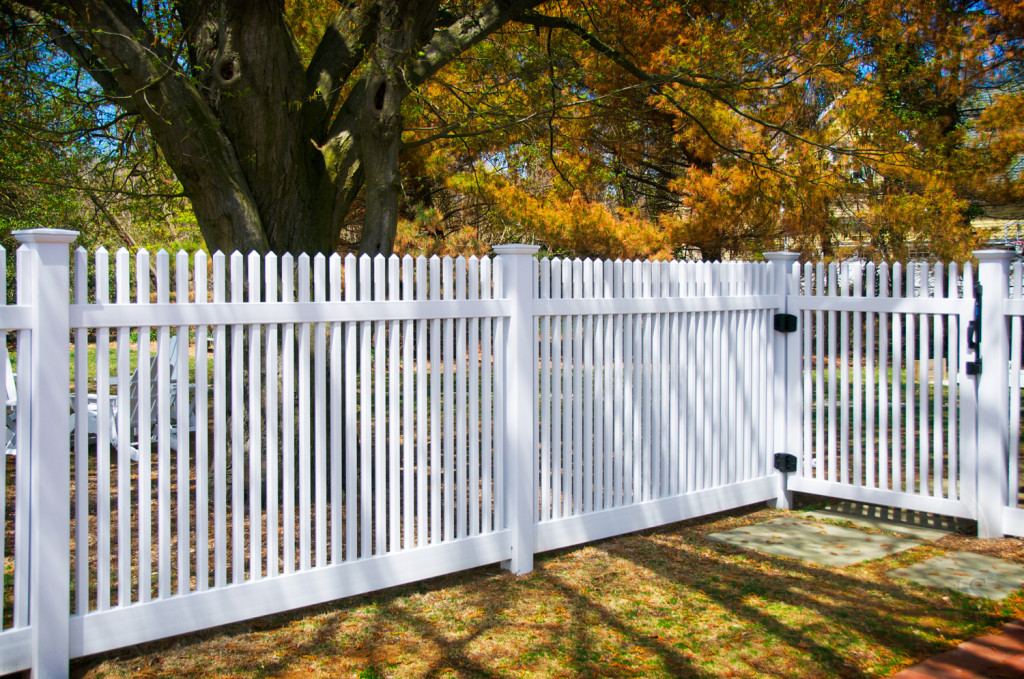 illusions vinyl pvc white picket fence panels 3