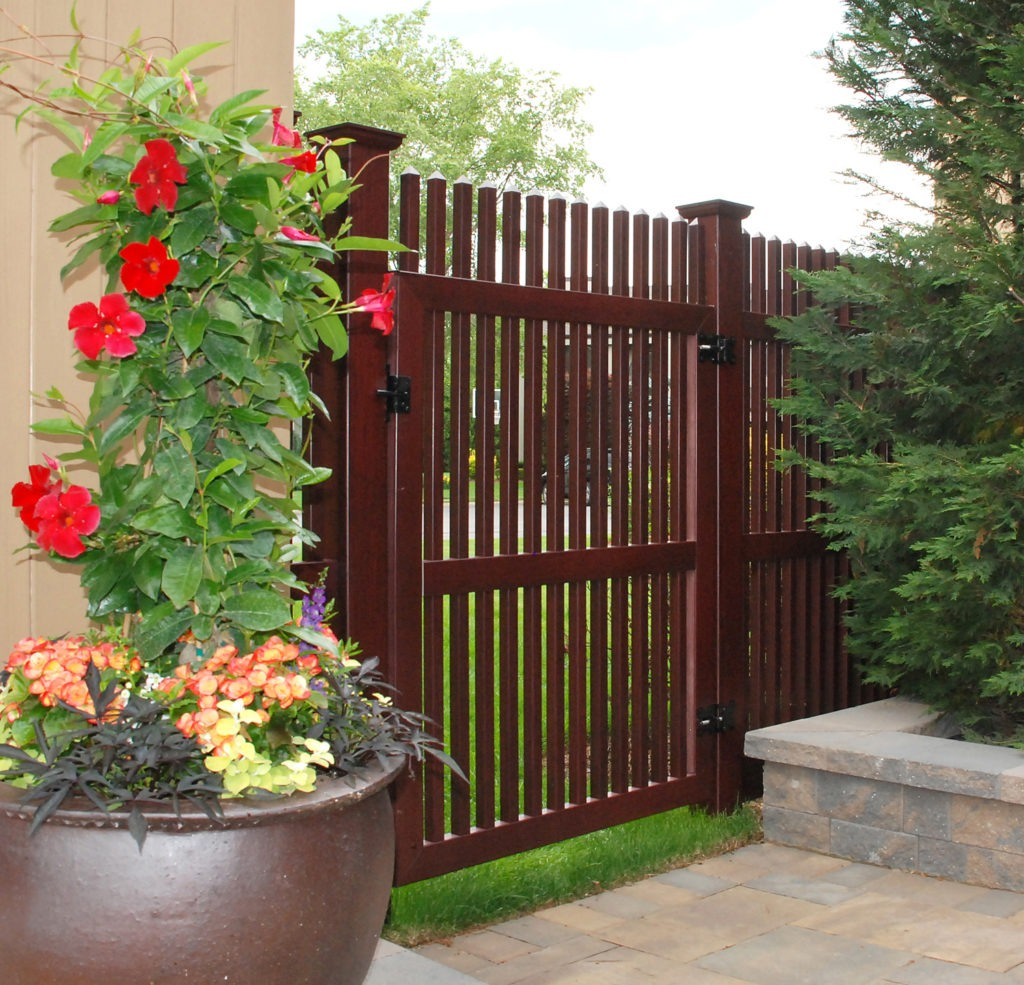 illusions vinyl pvc wood grain picket fence gate