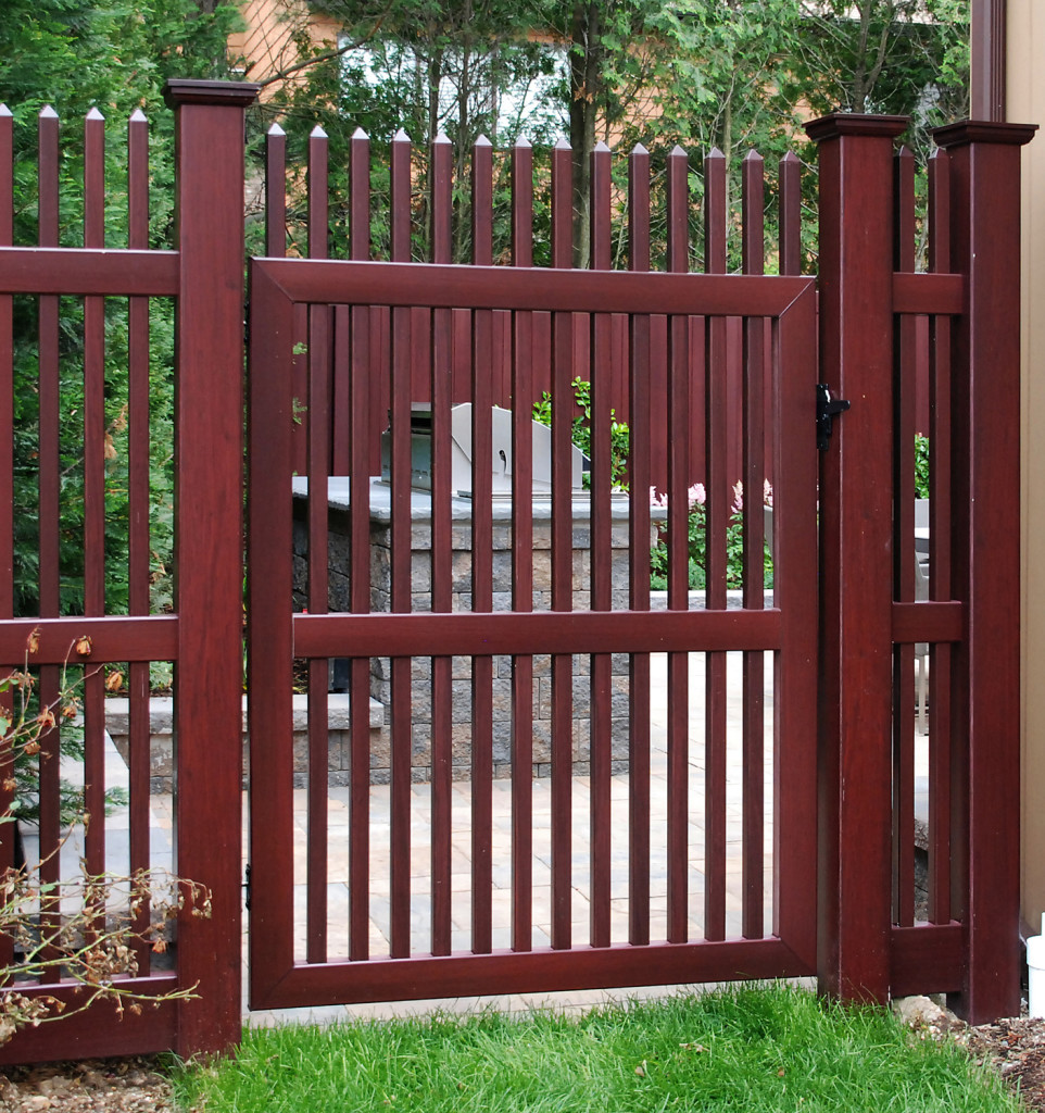 illusions vinyl pvc wood grain picket fence gate 2