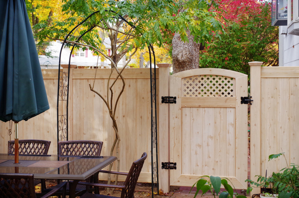 illusions white cedar vinyl fence