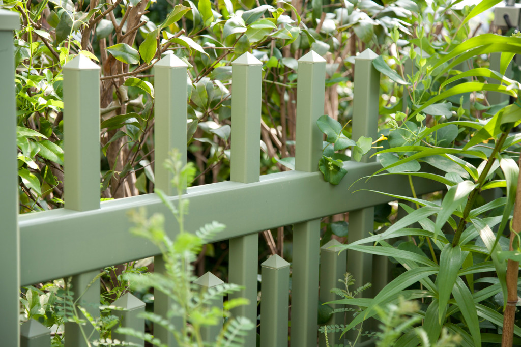 light green vinyl pvc fence 1