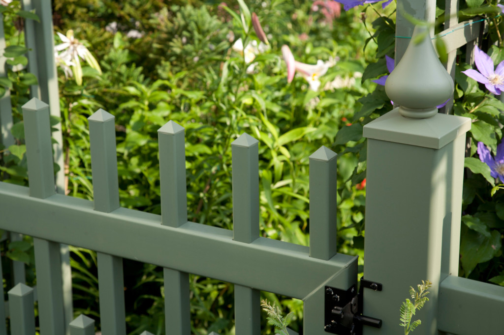 light green vinyl pvc fence 3