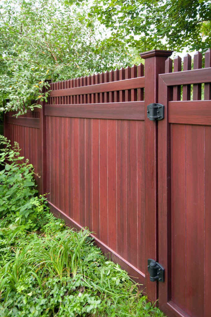 mahogany wood grain pvc vinyl privacy fence illusions 2