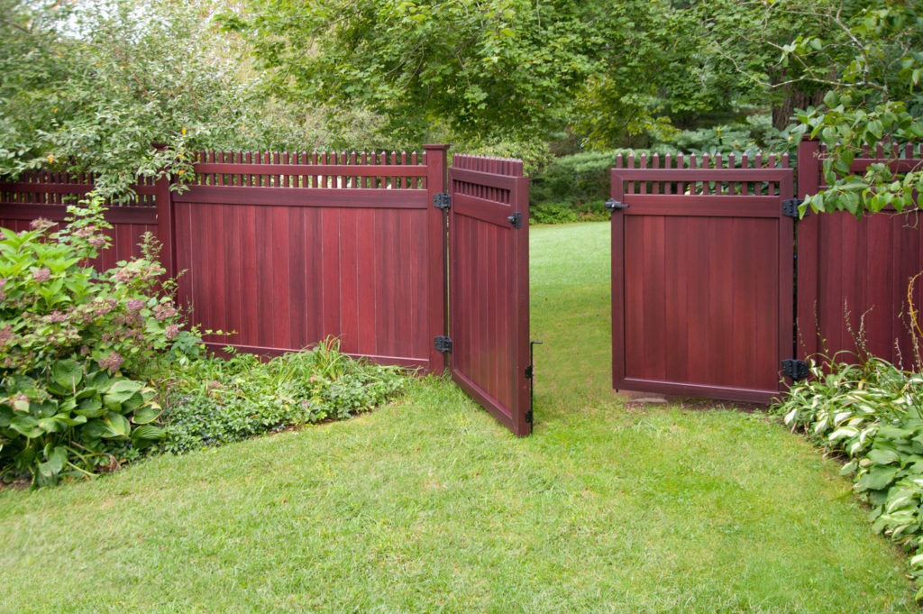 mahogany wood grain pvc vinyl privacy fence illusions gates 2