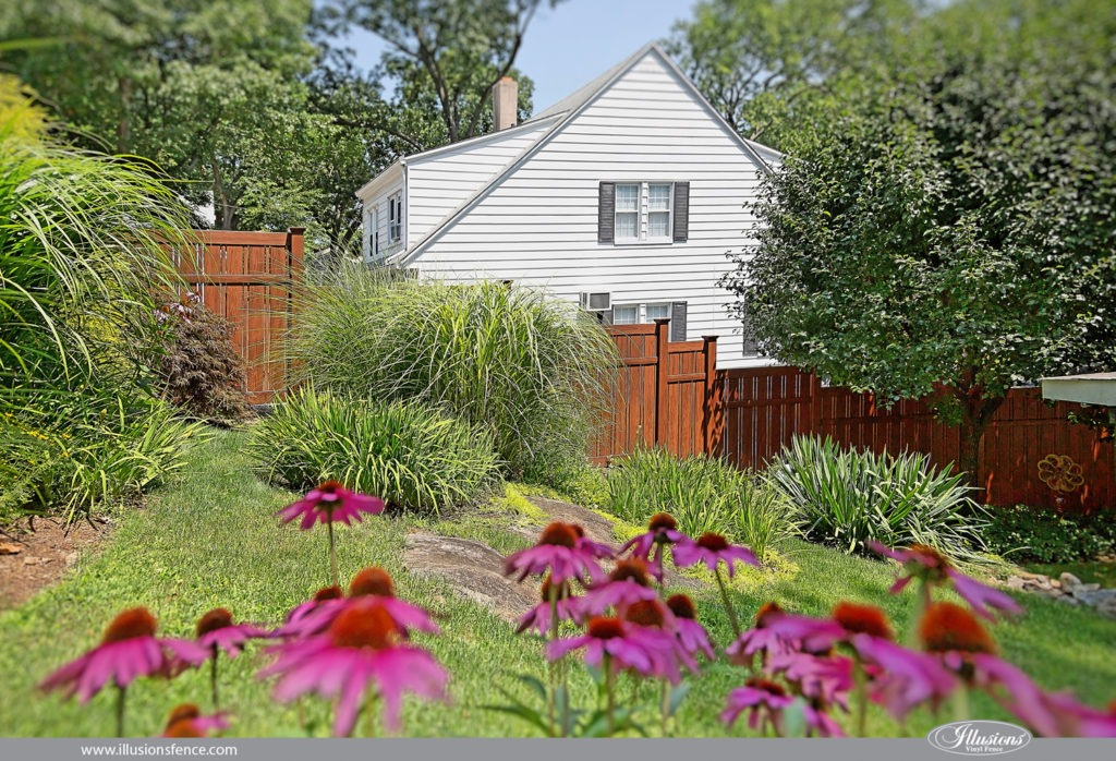 pvc wood grain vinyl fencing panels from illusions