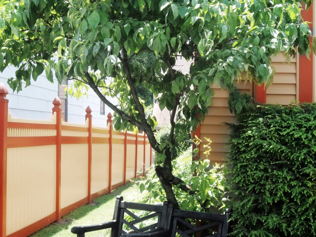 red and beige pvc vinyl fence from illusions