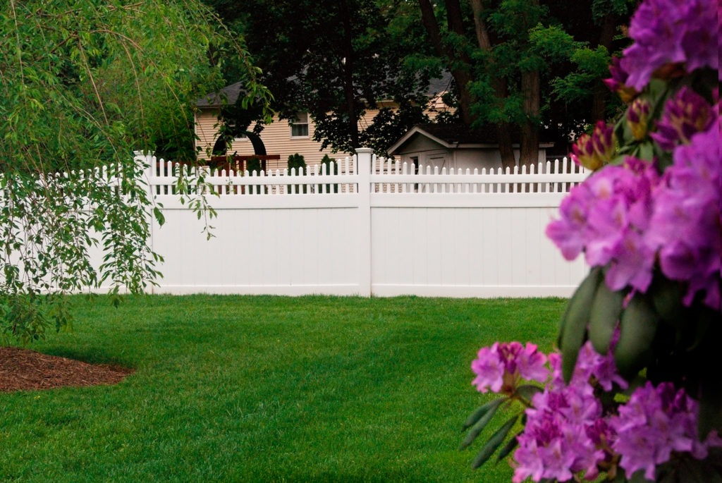 vinyl pvc fencing panels from illusions fence