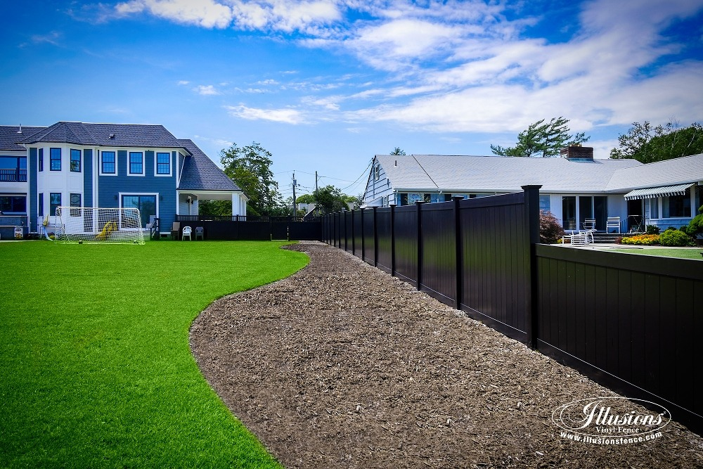 black pvc vinyl privacy fencing panels from illusions vinyl fence are the perfect backyard fence idea