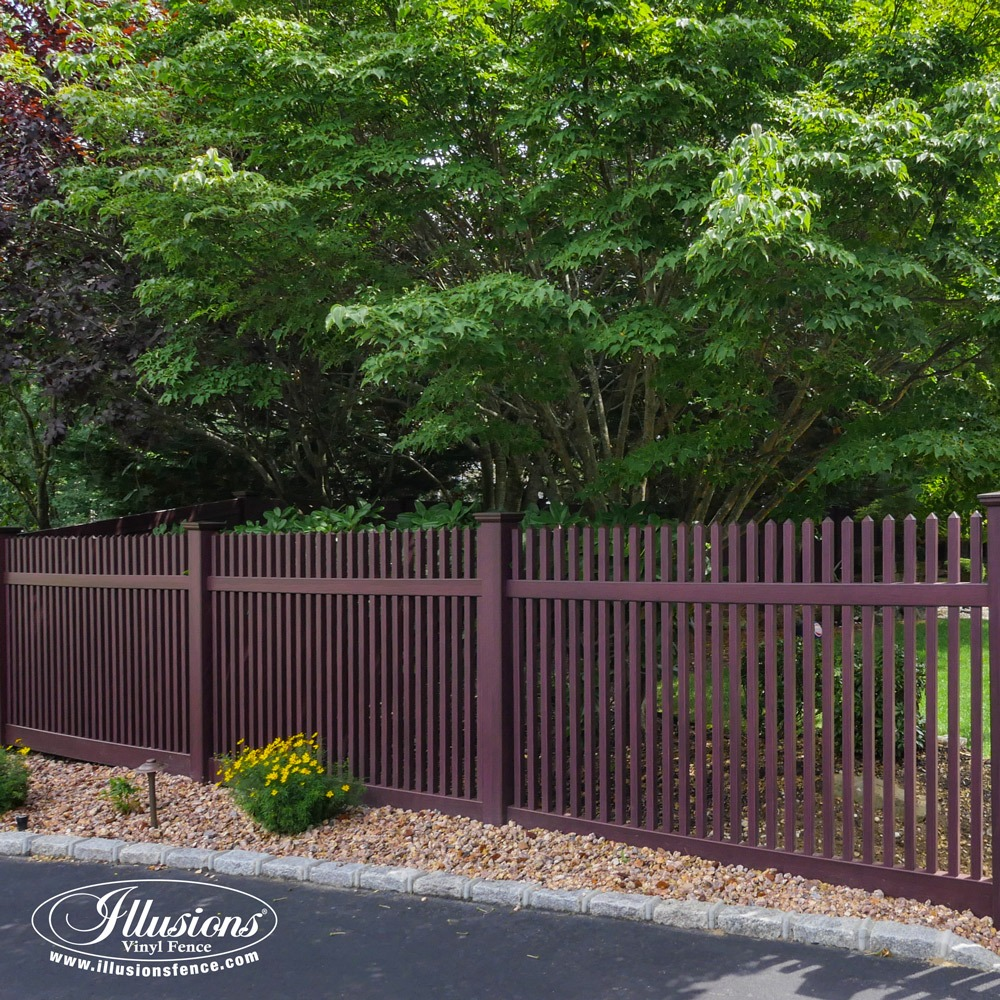 Gorgeous Mahogany Illusions PVC Vinyl Fence Images for Your Next Fence and Backyard Idea. #fenceideas #dreamyard #dreamhome #backyardideas #landscaping #fence