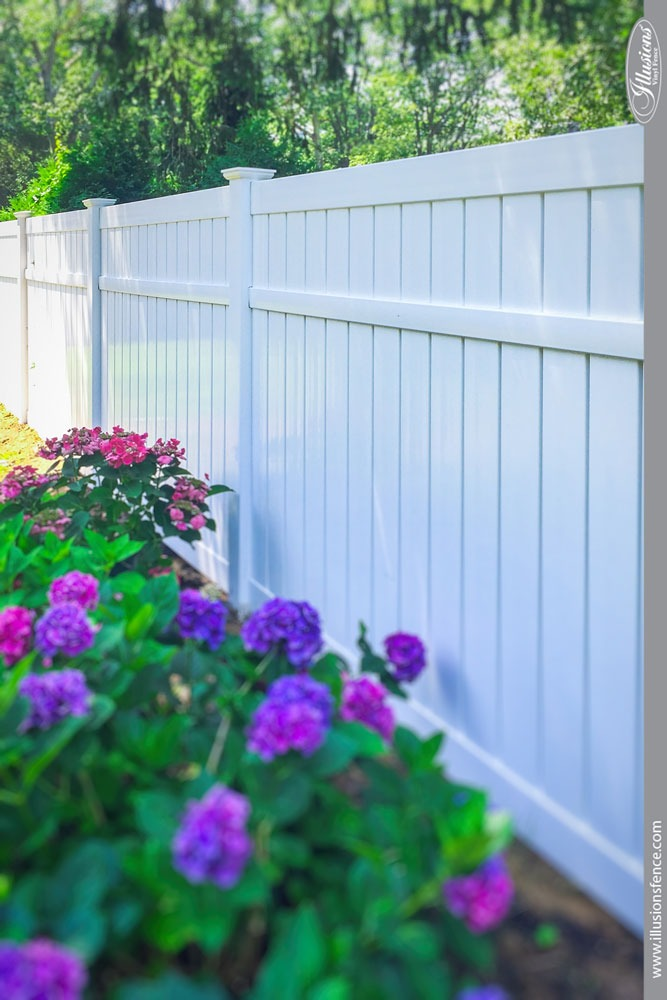 Beautiful White PVC Vinyl Illusions Semi-Privacy Fence #fenceideas
